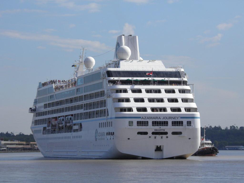 Azamara Journey at Bordeaux - P9020046