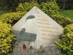 War memorial in Warsaw to the R.A.F. (Moldovia) Tags: travel war britain eu poland polska ww2 warsaw pointandshoot british warmemorial easterneurope raf warszawa armedforces worldwar2 pl travelphotography royalairforce fujifilmfinepixhs20exr