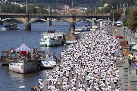 Nike Run Prague happening bojoval s vedrem