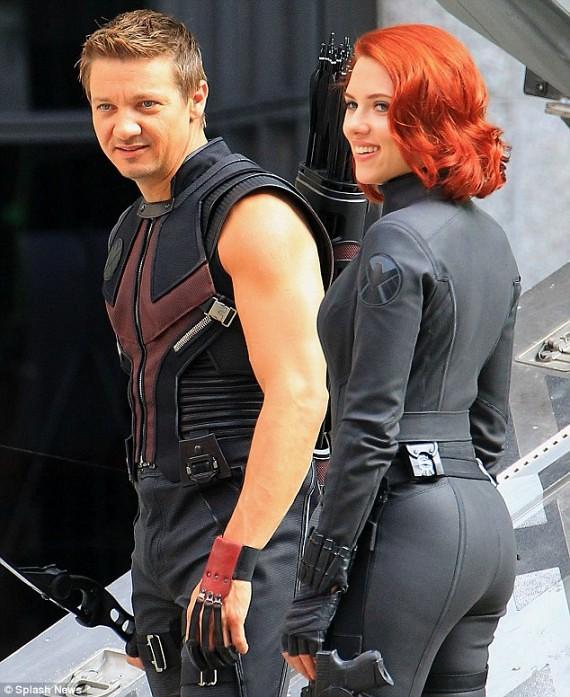 Clint-Barton-Natasha-Costumes-SHIELD-AVengers-570x697