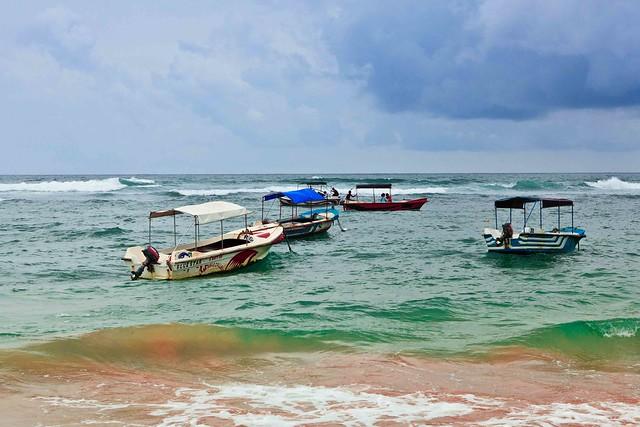 Hikkaduwa Boats-4534