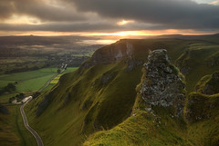 Sunrise at Winnat's Pass (andy_AHG) Tags: morning autumn rural sunrise outdoors rocks peakdistrict scenic moors pennines whitepeak mamtor castleton winnatspass hopevalley britishcountryside northernengland landscapephotography beautifullandscapes