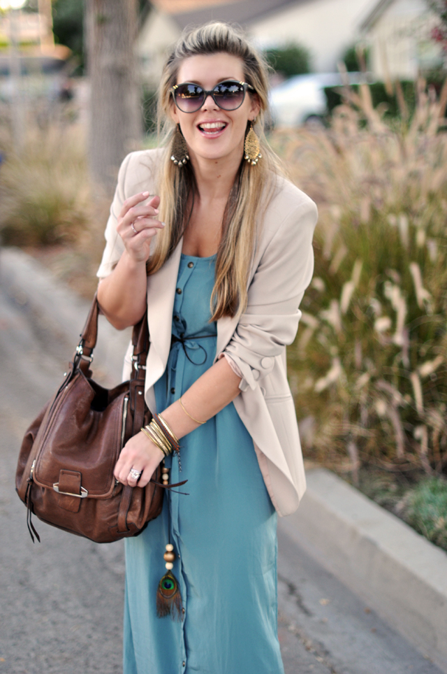 maxi dress with blazer  for fall and brown accessories+kooba bag
