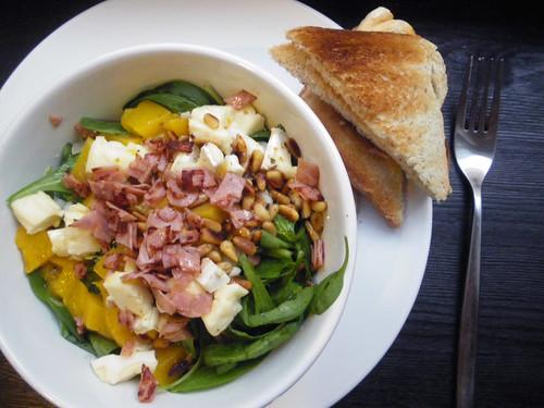 spinatsalat mit brie & pfirsich