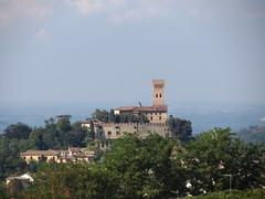 Cigognola (PV) (Pizzo Castelli) Tags: castello rocca oltrepopavese cigognola rocchecastelli rocchefariecastellicastleslighthosesbelltowers