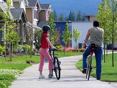 Snoqualmie, WA (by: Dan Burden, bikepedimages.org)