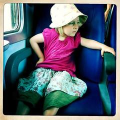 Viaggiatrice (Mattia Clemente) Tags: treno friuli iphone bambina