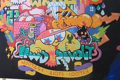 Billede 041 (Paradiso's) Tags: art wall copenhagen graffiti market kunst flea riots paradiso kbenhavn sabotage muur kunstwerk vlooienmarkt plads rommelmarkt valby loppemarked looter vg artinthemaking kunstevent toftegrds kulturhusvalby