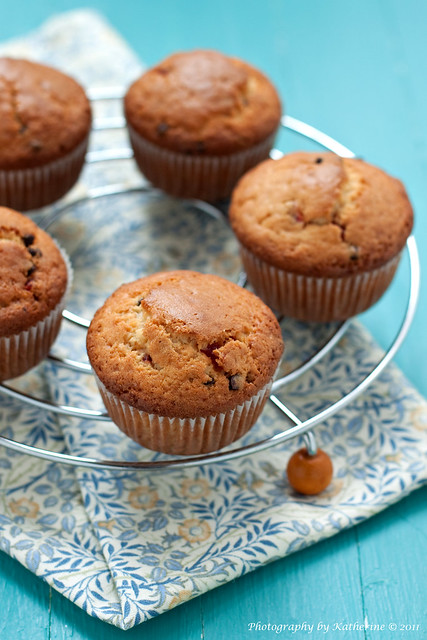 Muffins with chocolate and dried cherries