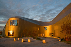 At the Going Down of the Sun (GlasgowPhotoMan) Tags: abstract architecture scotland clyde glasgow museums hadid zahahadid transportmuseum glasgowharbour riversidemuseum glasgowmuseums 21stcenturyarchitecture titaniumsciencecentreareaglasgowriversidemuseumriversidemuseum