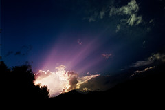 [Free Image] Nature / Landscape, Sky, Sunlight / Crepuscular Rays, 201108260500