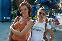 Ariana & Mariam 38/100 (fcoarreola) Tags: nikon centro puebla zocalo satoru d3000 100strangers