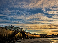 Pier24,  St Clair Beach (Ian@NZFlickr) Tags: sea beach wall sunrise stclair nz dunedin aotearoa nohdrjustprocessedfromrawwithtopazandfractalius