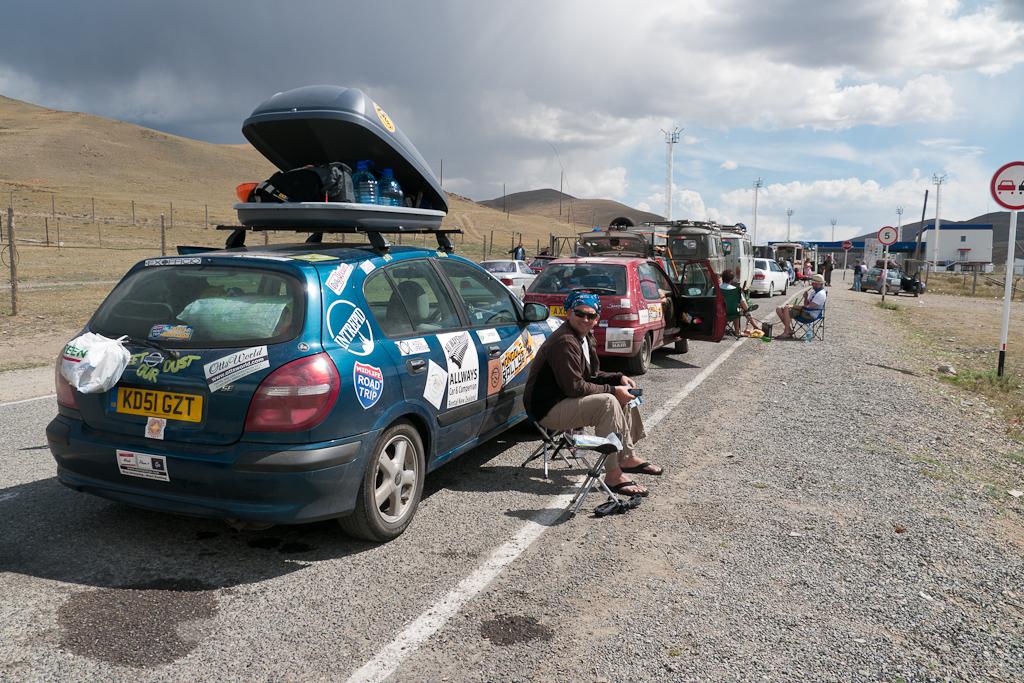 Mongol_Rally_Border Crossing_russia
