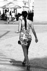 Turn around Malna! (Np.hotography) Tags: street travel people bw white black girl strada phone gente pentax praga viaggi bianco nero sms k5 tornatore malna nicopara71
