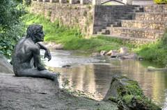El hombre pez (Lumley_) Tags: pez rio nikon escultura mito lumley estatua hombre vr cantabria bronce ribera fotografa leyenda lirganes 18105mm d300s