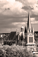 DOM (jonashellmann) Tags: dom kirche wolken aachen karl monochrom turm der 800 mnster kronen grose oche kuppel niederrhein mittelalter cher krnung kaiserstadt