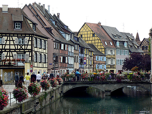 Colmar, pont fleuri.jpg