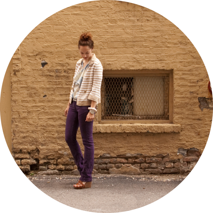 dashdotdotty, dash dot dotty, outfit blog, style ideas, colored pants, purple jeans, technicolor denim, skinny jeans with heels, silver belt, stacks of bracelets