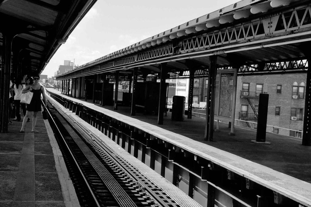 blackdress-metro-ny-BW