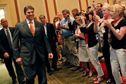 Gov. Perry Announces