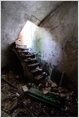 Escales submarines (Techos sin Personas) Tags: barcelona espaa house abandoned casa spain nikon catalonia tokina catalunya tiana lugar catalua 1016 abandonado d300 lloc abandonat
