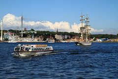 The Brig Tre Kronor and Sightseeing boat (AdurianJ) Tags: pictures water canon europa europe sweden stockholm august suecia lenses   2011  nrdico escandinavia    canon1755 canon7d