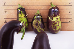 Criminal minds... (RR) Tags: vanessa food playing art smile vegetables fun with purple eggplant humor police aubergine mean rough veggie brinjal baba rere anthropomorphic ratatouille playingwithfood berenjena moussaka ganoush berinjela anthropomorph meanlooking melanzana patlican antropomrfico brincandocomacomida partofthe antropomorfico anthropomorphe dualib spreadhumorcoalition