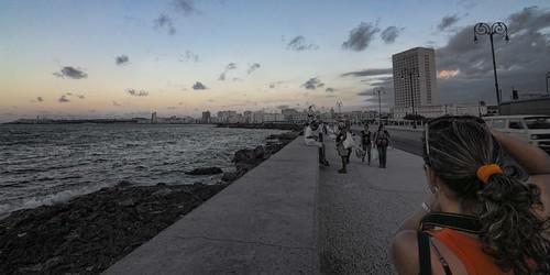 Una Tarde Habanera..... Malecon, Habana by Rey Cuba