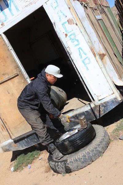flat tire mongol rally mongolia