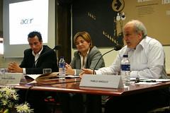 Rosalía Herrera, acompañada por Pablo Angulo y por Fernando Zubizarreta