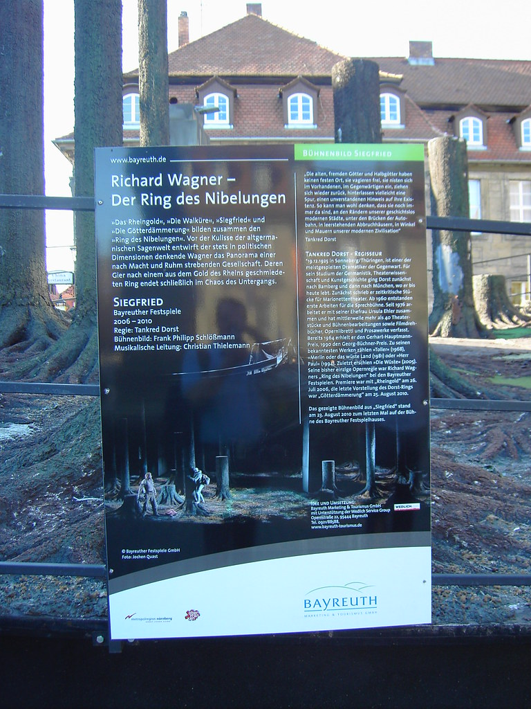 "Décors de ""Siegfried"" (""Der Ring des Nibelungen"" 2006-2010) - Bayreuth (Allemagne)"