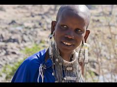 Tanzania - Tribe on Ruaha (nometokeslospinceles) Tags: africa park people canon tanzania eos gente national tribe tribu ruaha 400d nometokeslospinceles