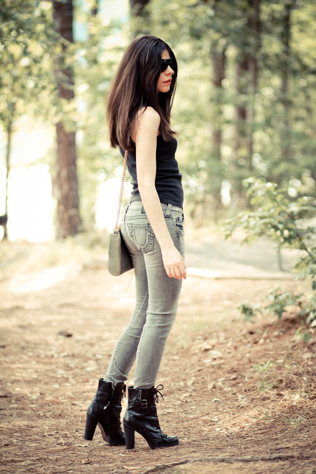 True Religion Skinny Jeans, Victorias Secret Tank Top, Guess Boots, Rebecca Minkoff MAC Clutch, Fashion Outfit