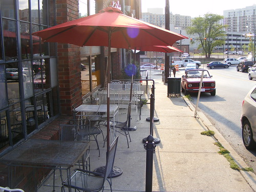 Sidewalk Seating, Jackie's Restaurant (Head On)