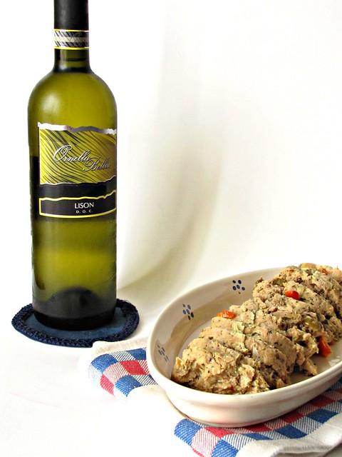 Polpettone di Tonno con Pomodori Semisecchi e Olive