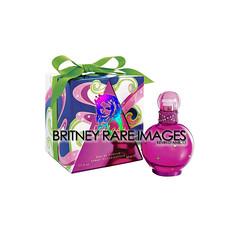 Fantasy (Britney Rare Images) Tags: set bottle promo elizabeth perfume box spears fantasy gift britney fragrance arden