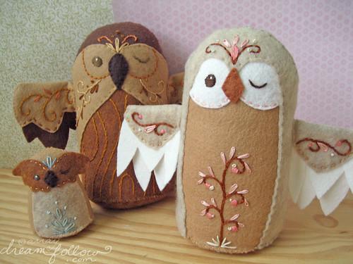 3 plush owls