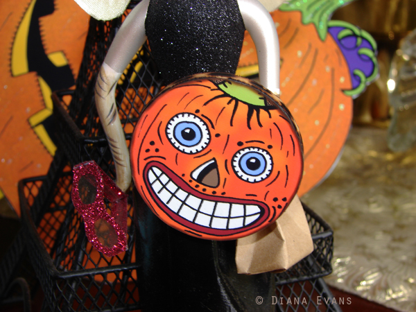 vintage halloween pins 016