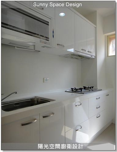 廚具工廠-新莊龍安路江設計一字型廚具:廚具大王林易延-陽光空間廚衛設計