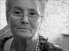 Abuela Beatriz (Alberto Jiménez Rey) Tags: old family grandma people familia person mayor abuela alberto age manuel rey abu 80 beatriz ramirez años cornejo vejez jimenez grandmather albjr albjr7
