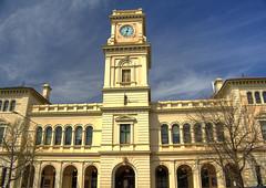 Post Office in Goulburn (Anna Calvert Photography) Tags: old building clock postoffice cream clocktower historical goulburn