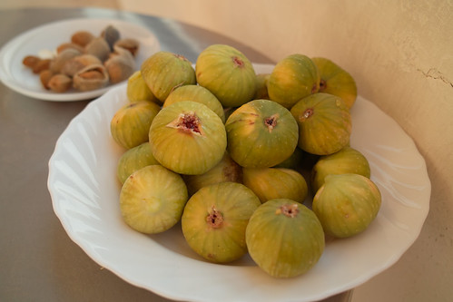 Almonds and figs by i_noriyuki