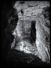 Slate Mine (Nathan Reading) Tags: blackandwhite bw industry wales rocks mining cave ladder slate cavern height hazard northwales blaenauffestiniog llechwedd slatemine top20blackandwhite niksoftware silverefex