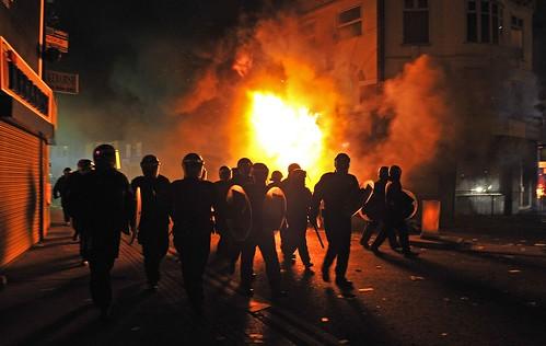 TOPSHOTS-BRITAIN-POLICE-UNREST