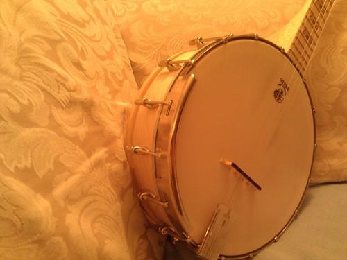Banjo upgrade: armrest by mahlness