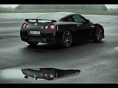 Reflection (Patrik Karlsson 2002tii) Tags: black nissan 2009 patrik gtr karlsson editio