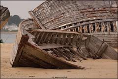 (Fotomaniak 53) Tags: bateaux abandonnés cimetière bretagne 56 etel
