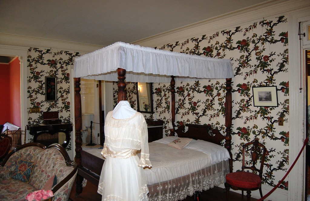 Back to Sonnenberg - Mary Thompson's  Bedroom