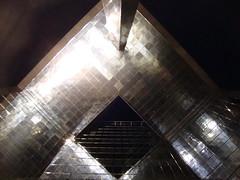 Acciaio (Colombaie) Tags: city england london londonbridge estate unitedkingdom britain great corso gran grattacielo londra notte regnounito vacanze simmetria città inglese inghilterra riflesso acciaio bretagna 2011 metropoli dalbasso